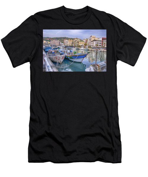 Taiwan Boats Men's T-Shirt (Athletic Fit)