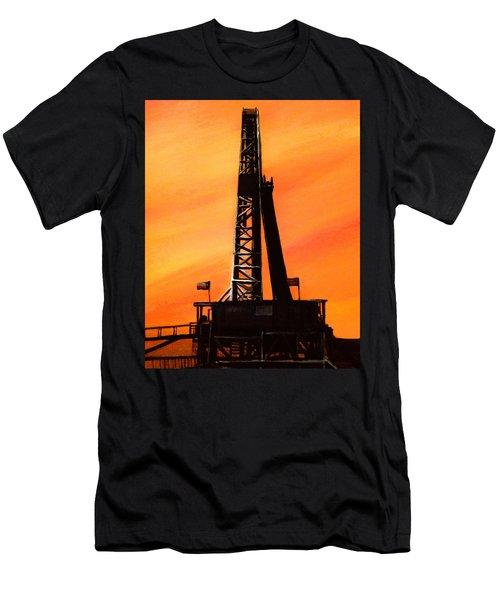 Texas Oil Rig Men's T-Shirt (Athletic Fit)
