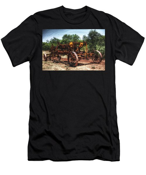 Texas Tractor Men's T-Shirt (Athletic Fit)