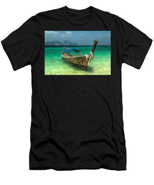 Thai Boat  Men's T-Shirt (Athletic Fit)