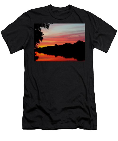 Men's T-Shirt (Slim Fit) featuring the photograph The Cumberland At Sunset by Chris Tarpening