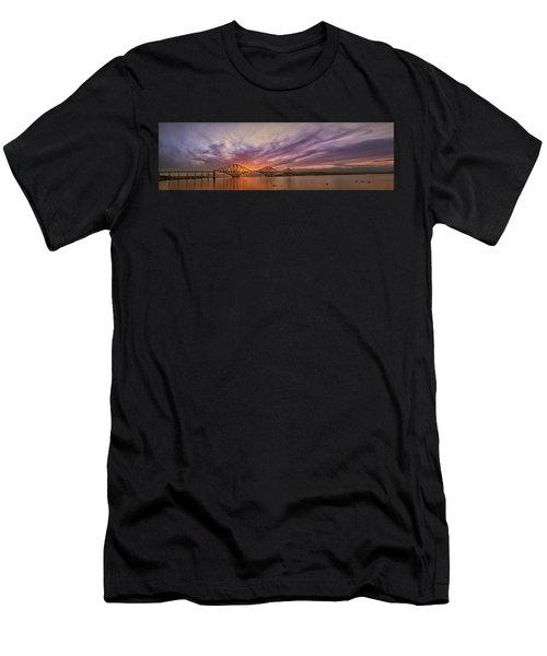 The Forth Rail Bridge Men's T-Shirt (Athletic Fit)