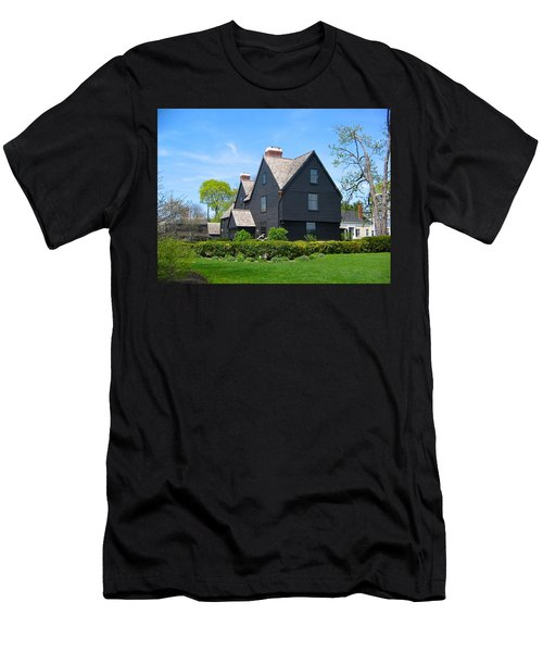 The House Of The Seven Gables Men's T-Shirt (Athletic Fit)