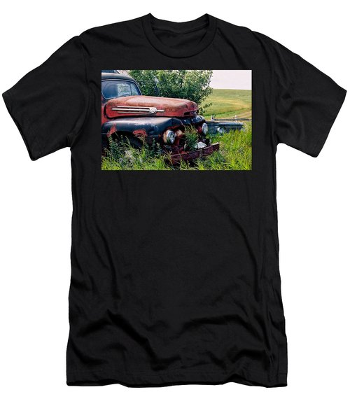 The Old Farm Truck Men's T-Shirt (Athletic Fit)