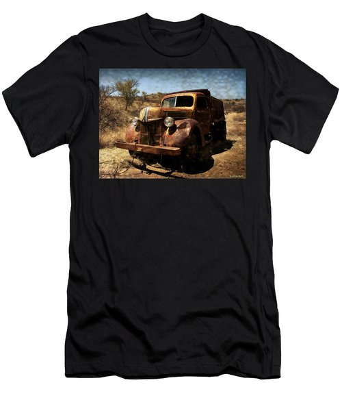 The Old Ford Men's T-Shirt (Athletic Fit)