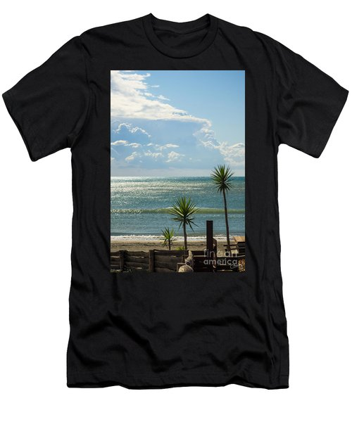 The Three Palms Men's T-Shirt (Athletic Fit)