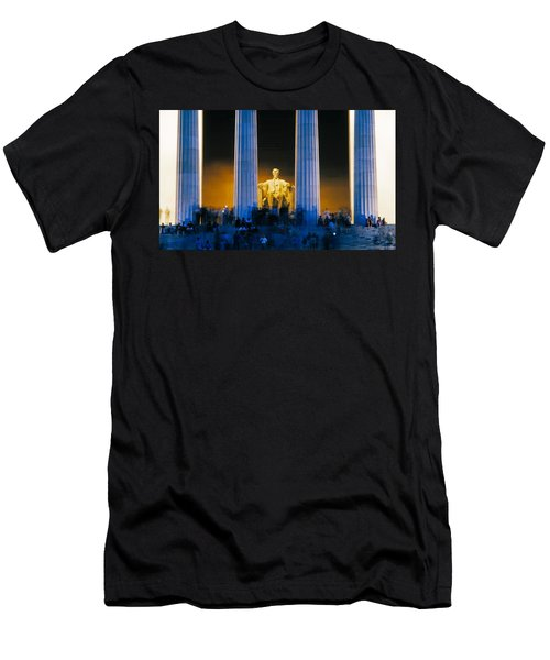 Tourists At Lincoln Memorial Men's T-Shirt (Slim Fit) by Panoramic Images