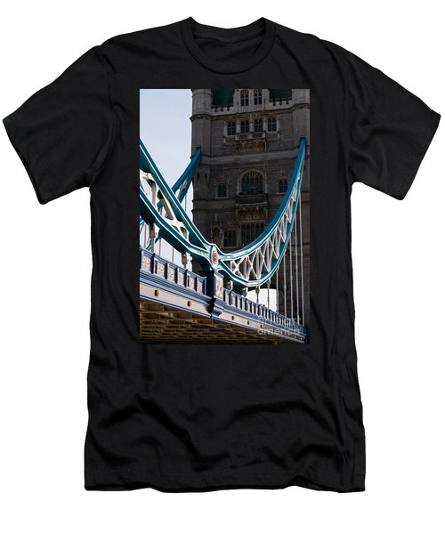Tower Bridge 03 Men's T-Shirt (Athletic Fit)