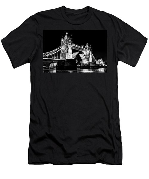 Tower Bridge Opening Men's T-Shirt (Athletic Fit)