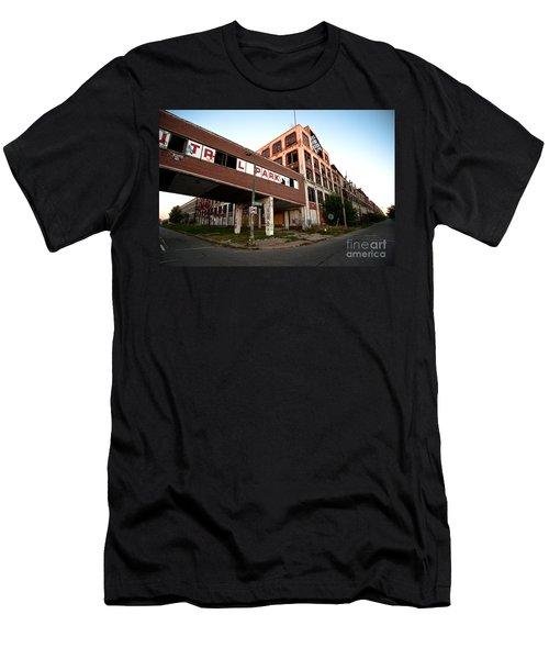 Tr L Park Men's T-Shirt (Athletic Fit)