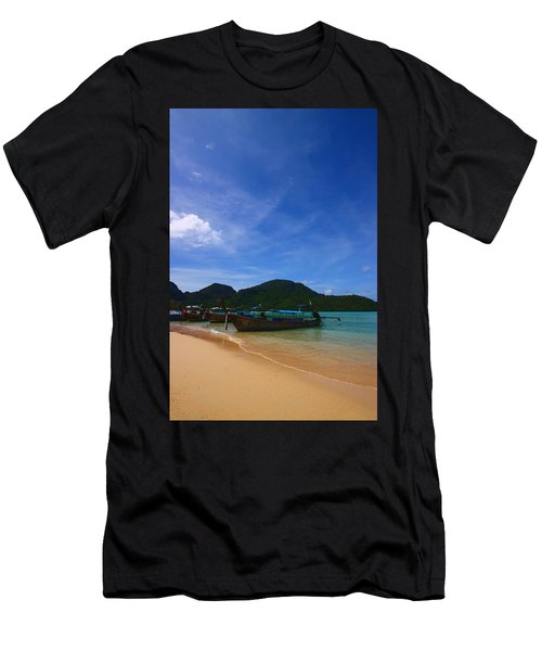 Tranquil Beach Men's T-Shirt (Athletic Fit)
