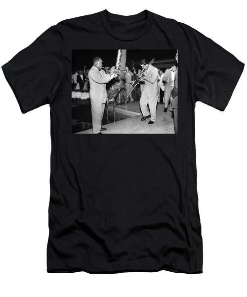 Trumpeter Louis Armstrong Men's T-Shirt (Athletic Fit)