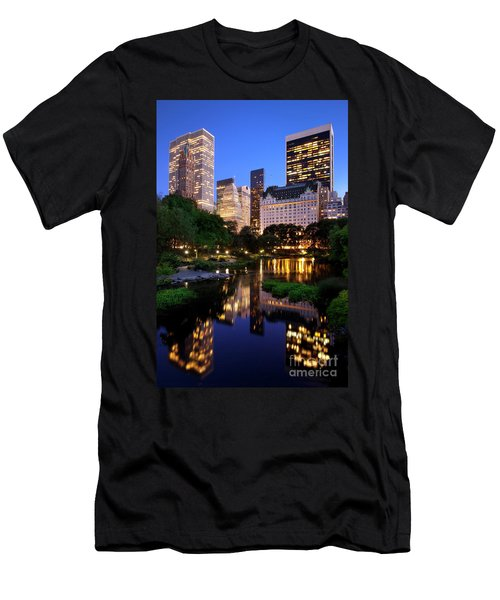 Men's T-Shirt (Athletic Fit) featuring the photograph Twilight Nyc by Brian Jannsen