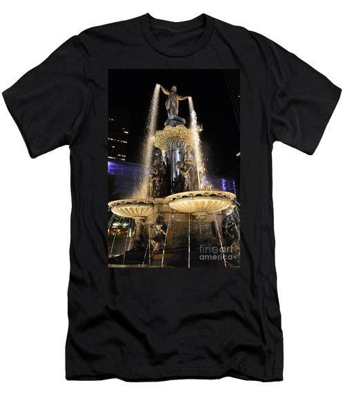 Fx9u-1250 Tyler Davidson Fountain Photo Men's T-Shirt (Athletic Fit)