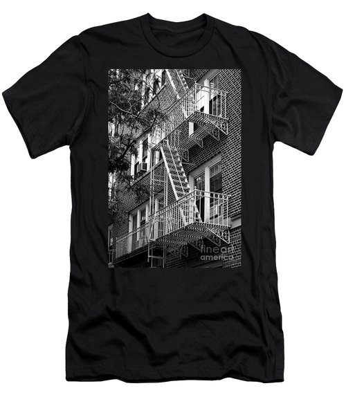Typical Building Of Brooklyn Heights - Brooklyn - New York City Men's T-Shirt (Athletic Fit)