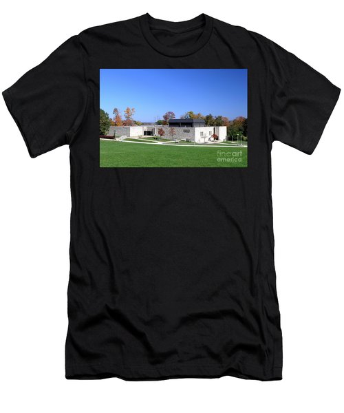 Upj Engineering Hall Men's T-Shirt (Athletic Fit)