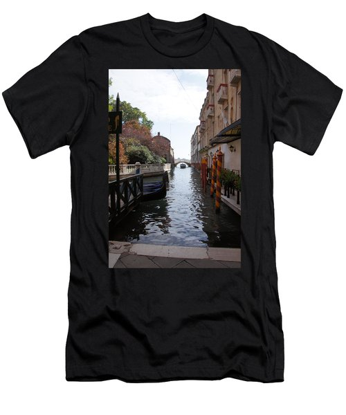 Venice Dock Men's T-Shirt (Athletic Fit)