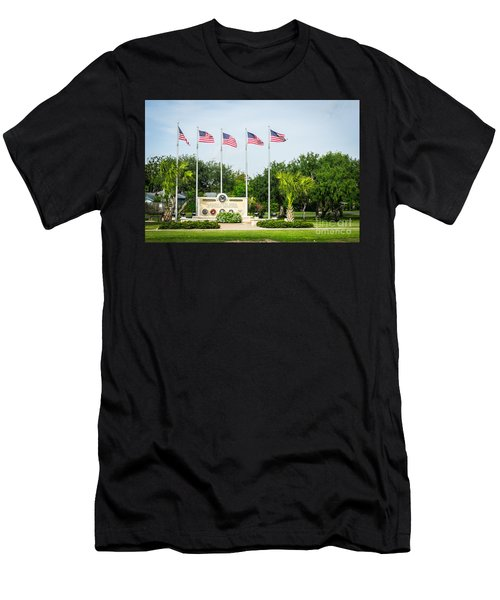 Veterans Memorial Laguna Vista Texas Men's T-Shirt (Athletic Fit)