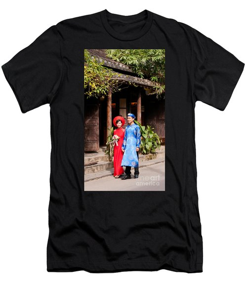 Vietnamese Wedding Couple 01 Men's T-Shirt (Athletic Fit)