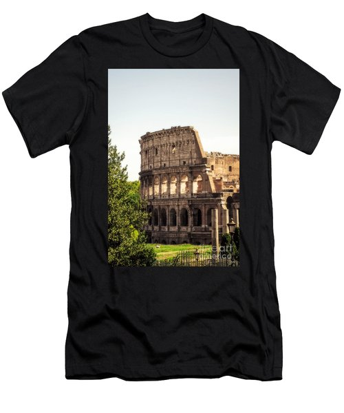 View Of Colosseum Men's T-Shirt (Athletic Fit)
