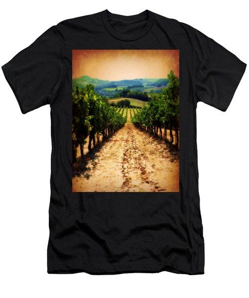 Vigneto Toscana Men's T-Shirt (Athletic Fit)