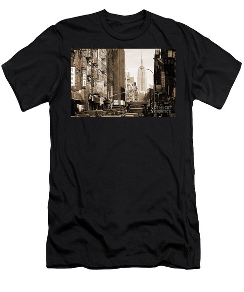 Vintage Chinatown And Empire State Men's T-Shirt (Athletic Fit)