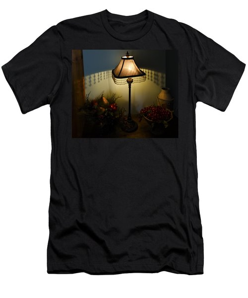 Vintage Still Life And Lamp Men's T-Shirt (Athletic Fit)