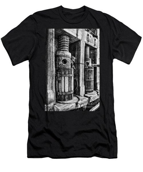 Vintage Wine Press Bw Men's T-Shirt (Athletic Fit)
