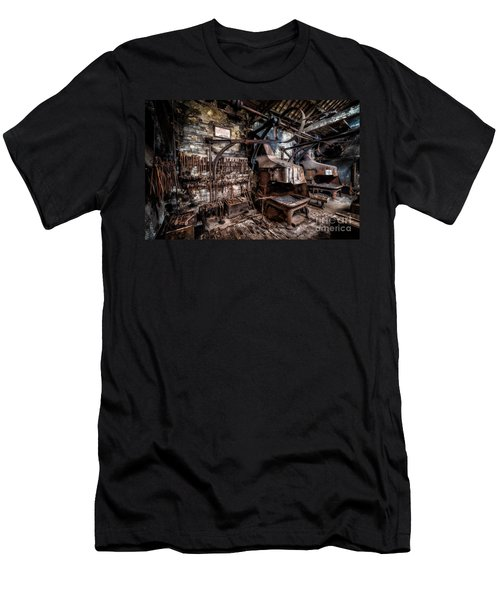 Vintage Workshop Men's T-Shirt (Athletic Fit)