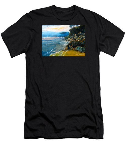 Walomwolla Beach Men's T-Shirt (Slim Fit)