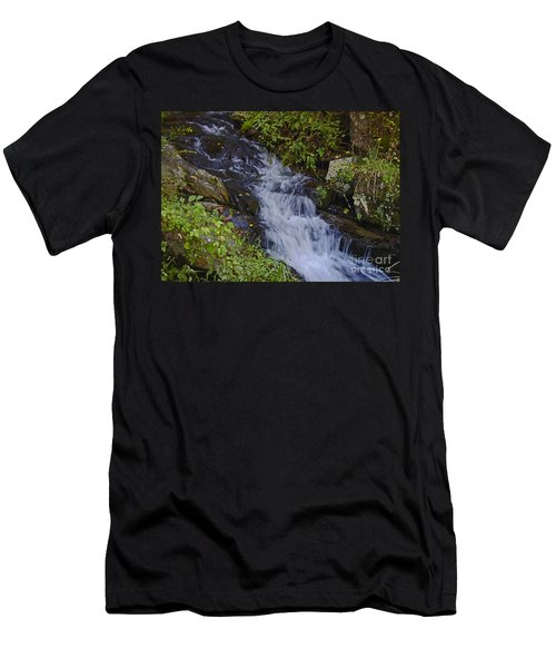 Water Falling Men's T-Shirt (Athletic Fit)