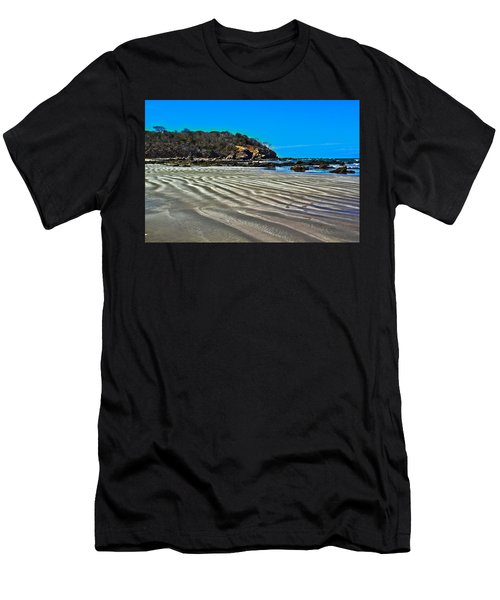 Wavy Beach Men's T-Shirt (Athletic Fit)