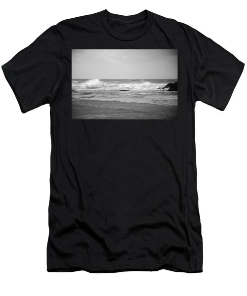 Wind Blown Waves Tofino Men's T-Shirt (Athletic Fit)