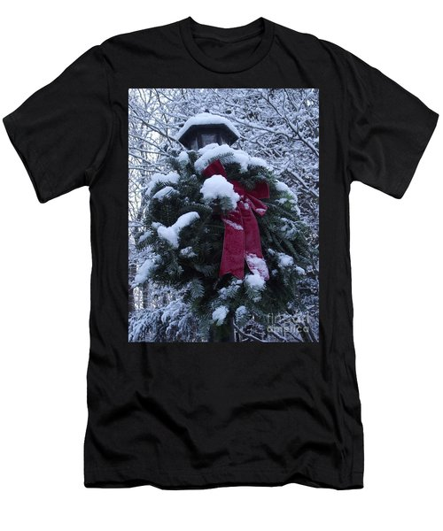 Winter Wreath Men's T-Shirt (Athletic Fit)