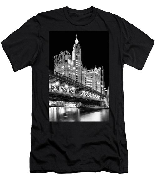Wrigley Building At Night In Black And White Men's T-Shirt (Athletic Fit)