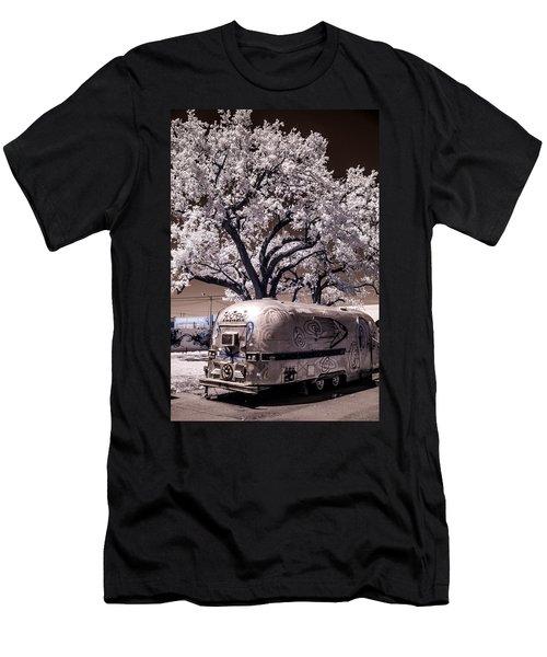 Wynwood Rv Men's T-Shirt (Athletic Fit)