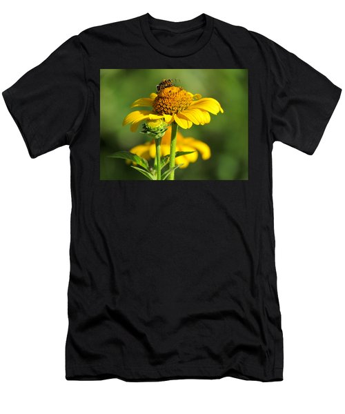 Yellow Daisy Men's T-Shirt (Athletic Fit)