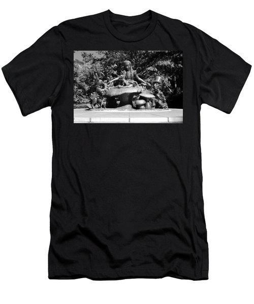 Alice In Wonderland In Central Park In Black And White Men's T-Shirt (Athletic Fit)