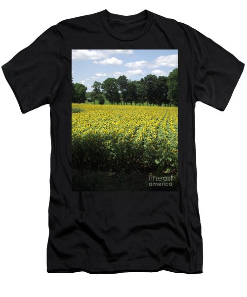 Buttonwood Farm Men's T-Shirt (Athletic Fit)