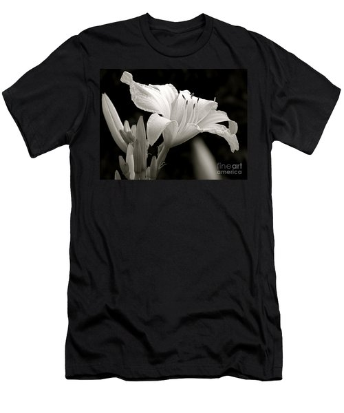 Daylily Study In Bw Iv Men's T-Shirt (Athletic Fit)