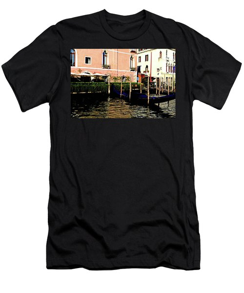 Gandola Docking Men's T-Shirt (Athletic Fit)