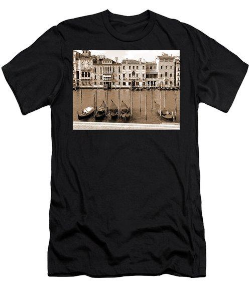 Gondolas Outside Salute Men's T-Shirt (Athletic Fit)