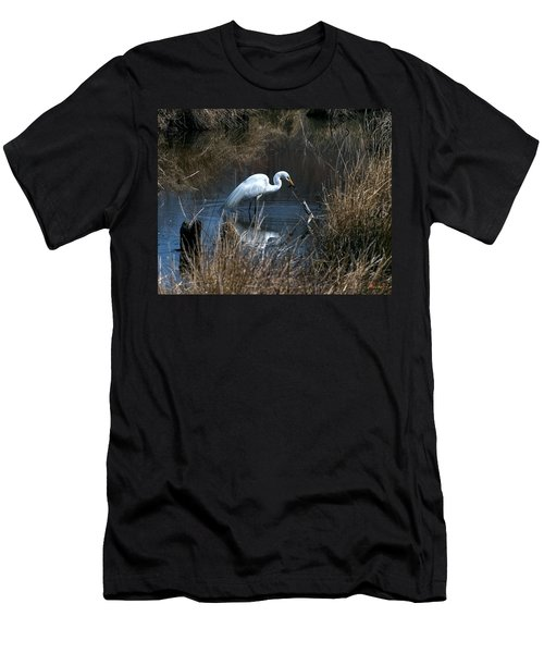 Men's T-Shirt (Slim Fit) featuring the photograph Great Egret With Fish Dmsb0034 by Gerry Gantt