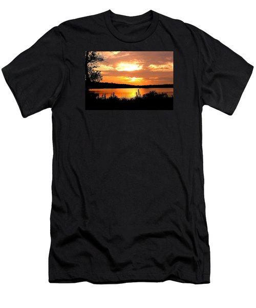 Horn Pond Sunset 2 Men's T-Shirt (Athletic Fit)