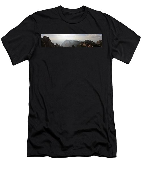 Huangshan Panorama 4 Men's T-Shirt (Athletic Fit)