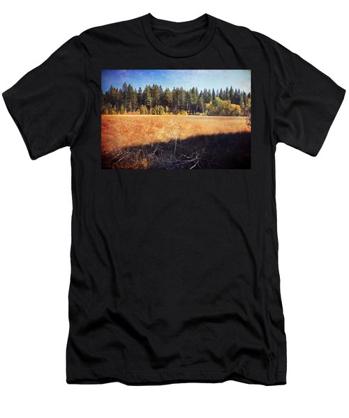 I Roam Men's T-Shirt (Athletic Fit)