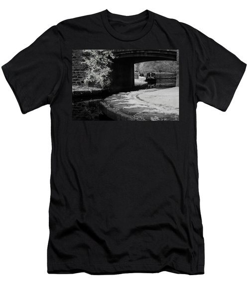 Infrared At Llangollen Canal Men's T-Shirt (Athletic Fit)