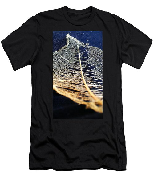 Lace Leaf 4 Men's T-Shirt (Athletic Fit)