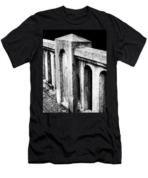 Mary Street Bridge Bristol Virginia Men's T-Shirt (Athletic Fit)
