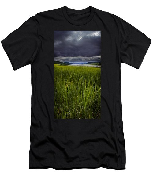 Munlochy Bay Men's T-Shirt (Athletic Fit)